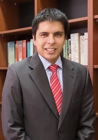VÍCTOR GONZALO HERRADA BAZÁN